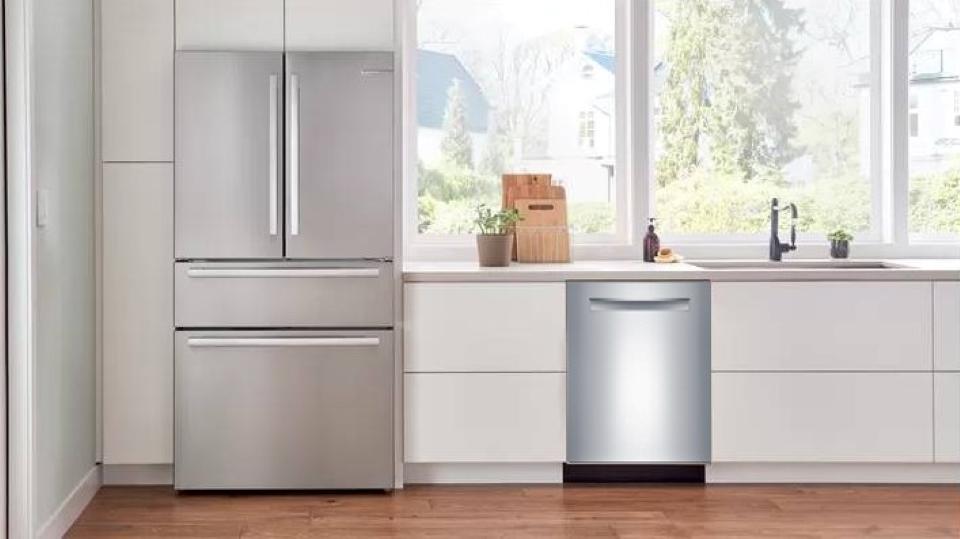 Bosch 500 Series Dishwasher 24'' Stainless steel SHPM65Z55N